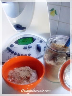 Thermomix Porridge cooks and stirs itself while you get ready for your day!